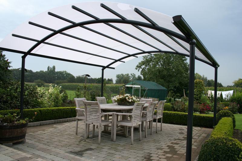 Het hele jaar genieten dankzij een afdak voor je terras bozarc - Luifel ontwerp voor patio ...