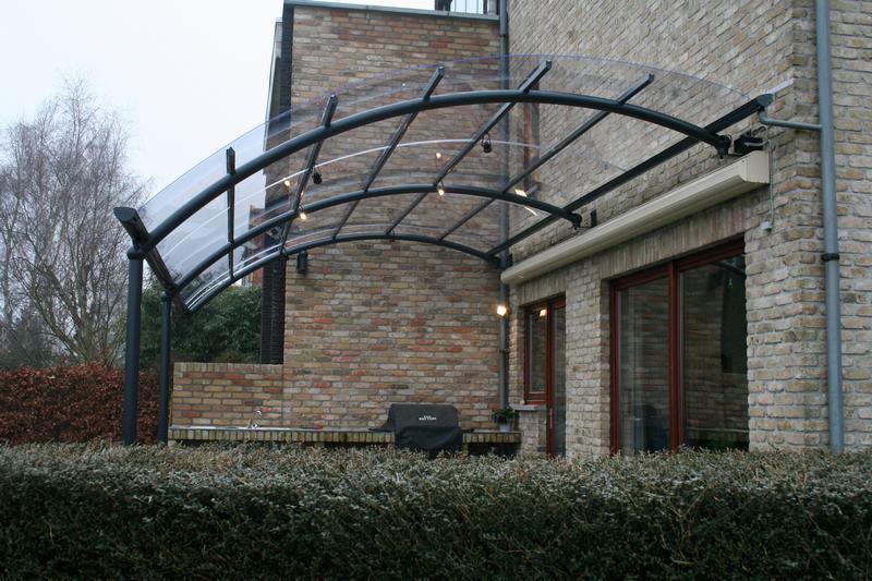 Maak je terras winterproof tips om je terrasoverkapping te reinigen bozarc - Terras van huis ...